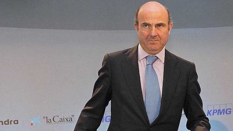 De Guindos se reúne con la plana mayor de los empresarios catalanes