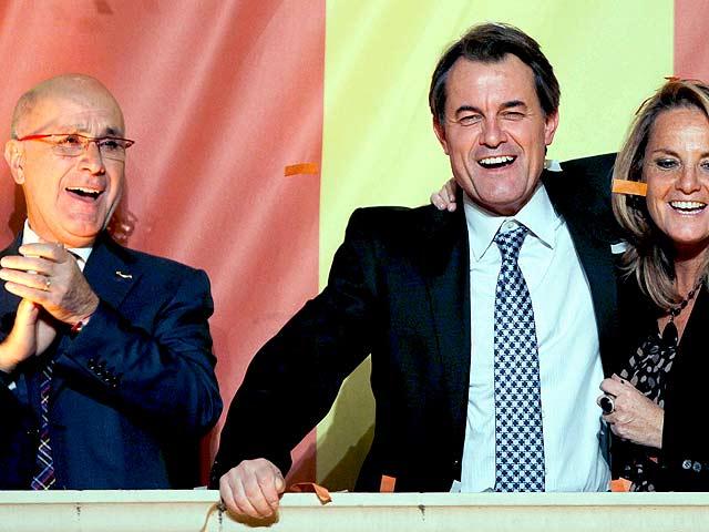 CiU logra una rotunda victoria, el PSC y ERC se hunden