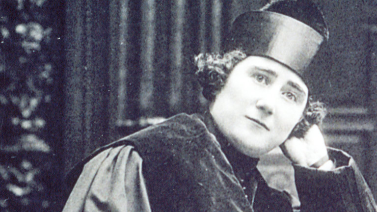 Mujeres en la historia - Clara Campoamor
