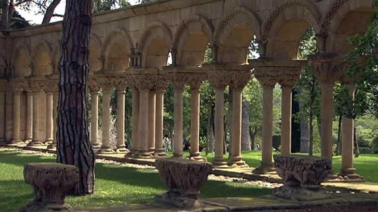 El claustro de Palamós es una recreación construida en el siglo XX