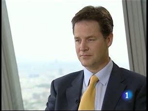 """Clegg: """"Prefiero recortar el gasto público antes que despedir a funcionarios"""""""