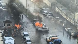 Un coche bomba explota ante un juzgado de la ciudad turca de Esmirna
