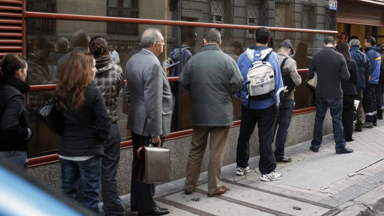 El n mero de beneficiarios de una renta m nima de for Oficina inem madrid