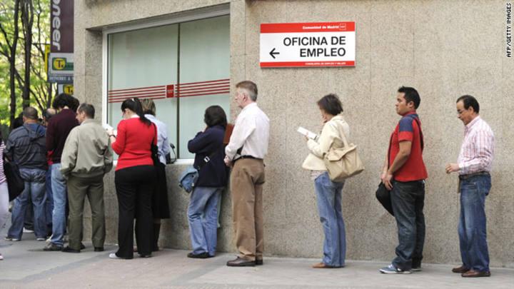 Las listas del paro registran desempleados menos for Oficina del paro murcia