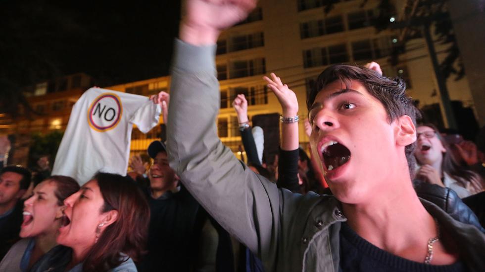 Los colombianos rechazan el acuerdo de paz entre el Gobierno y las FARC
