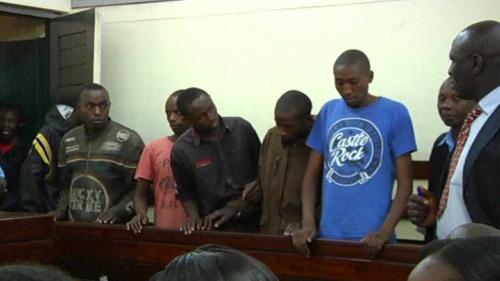 En Kenia comienza el juicio de cinco hombres acusados de asaltar a una chica