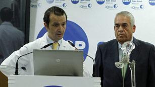 Ver vídeo  'Comienza la rehabilitación de Don Juan Carlos tras la operación de cadera'