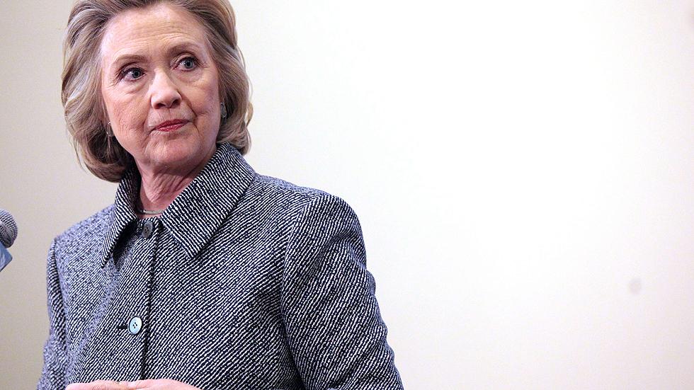 """Clinton asegura que le pareció """"conveniente"""" usar su cuenta privada de correo"""