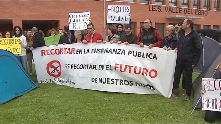 Concentraciones por la huelga en la enseñanza en distintos puntos de España