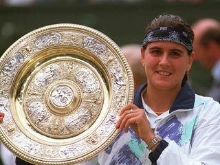 Conchita derrota a Navratilova en Wimbledon (1994)