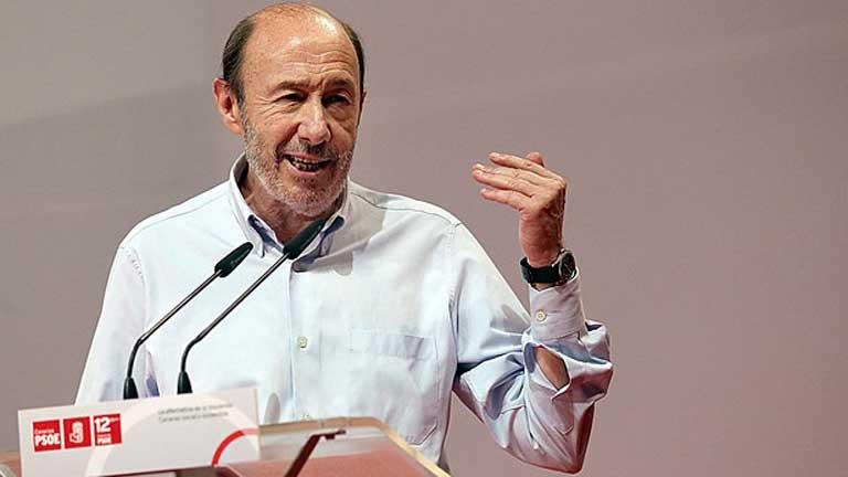Rubalcaba acusa a Rajoy de aumentar las desigualdades sociales