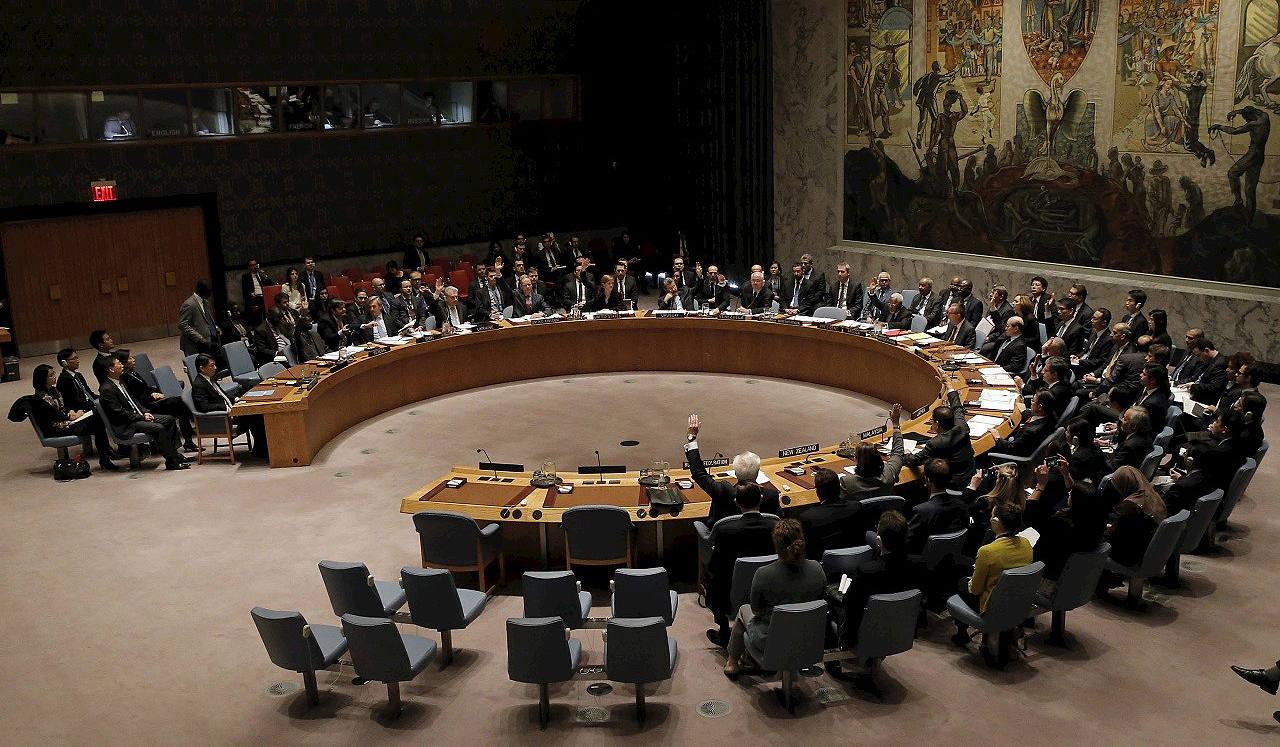 El Consejo de Seguridad de la ONU vota para endurecer las sanciones contra Corea del Norte, el 2 de marzo. REUTERS/Brendan McDermid