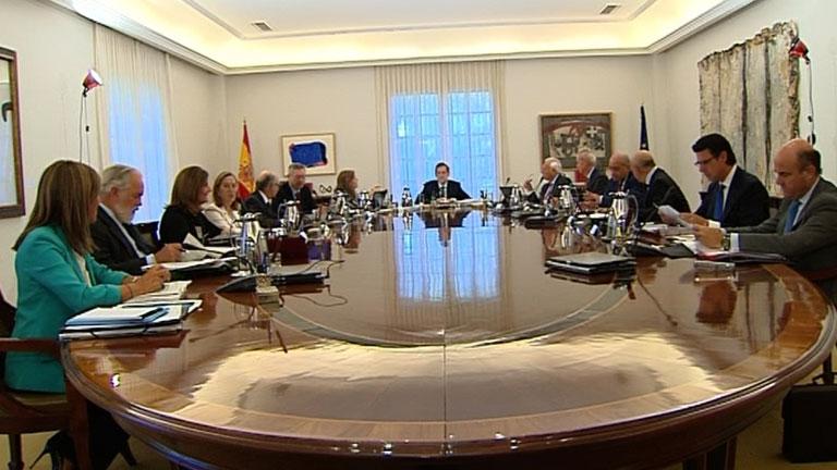 El Gobierno convocará un Consejo de Ministros extraordinario cuando Artur Mas firme el decreto de la consulta