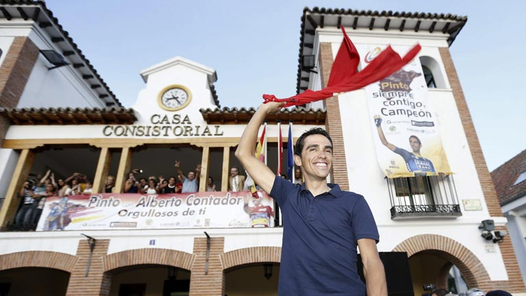 Contador, al calor de 2.000 pinteños