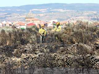 Controlado el incendio del Parque Natural Arribes del Duero en Salamanca
