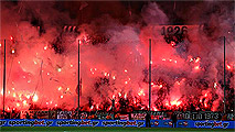 Ir al VideoLa Copa griega, suspendida por los disturbios en el Paok - Olympiakos