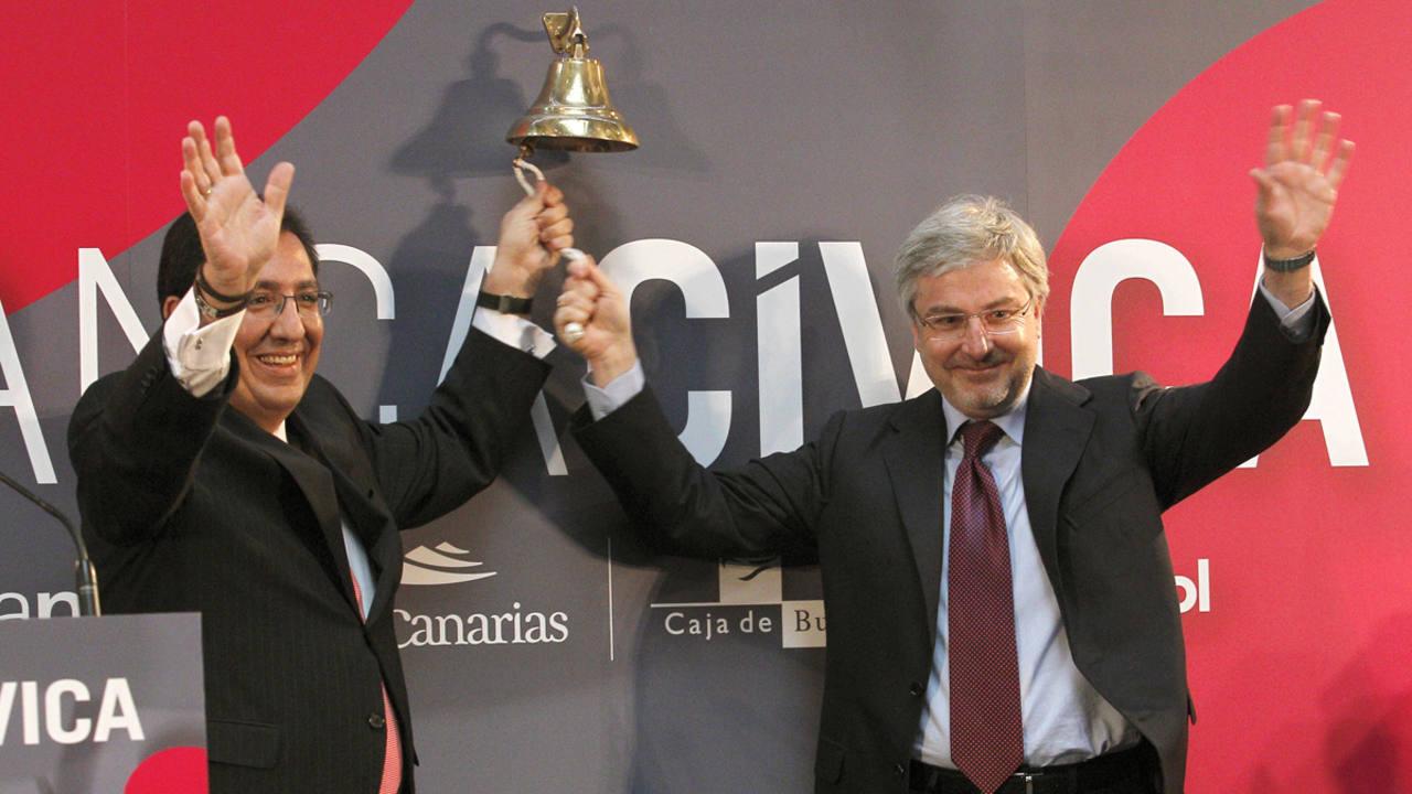 Los copresidentes de Banca Cívica, Enrique Goñi y Antonio Pulido, en el momento de su debut en Bolsa
