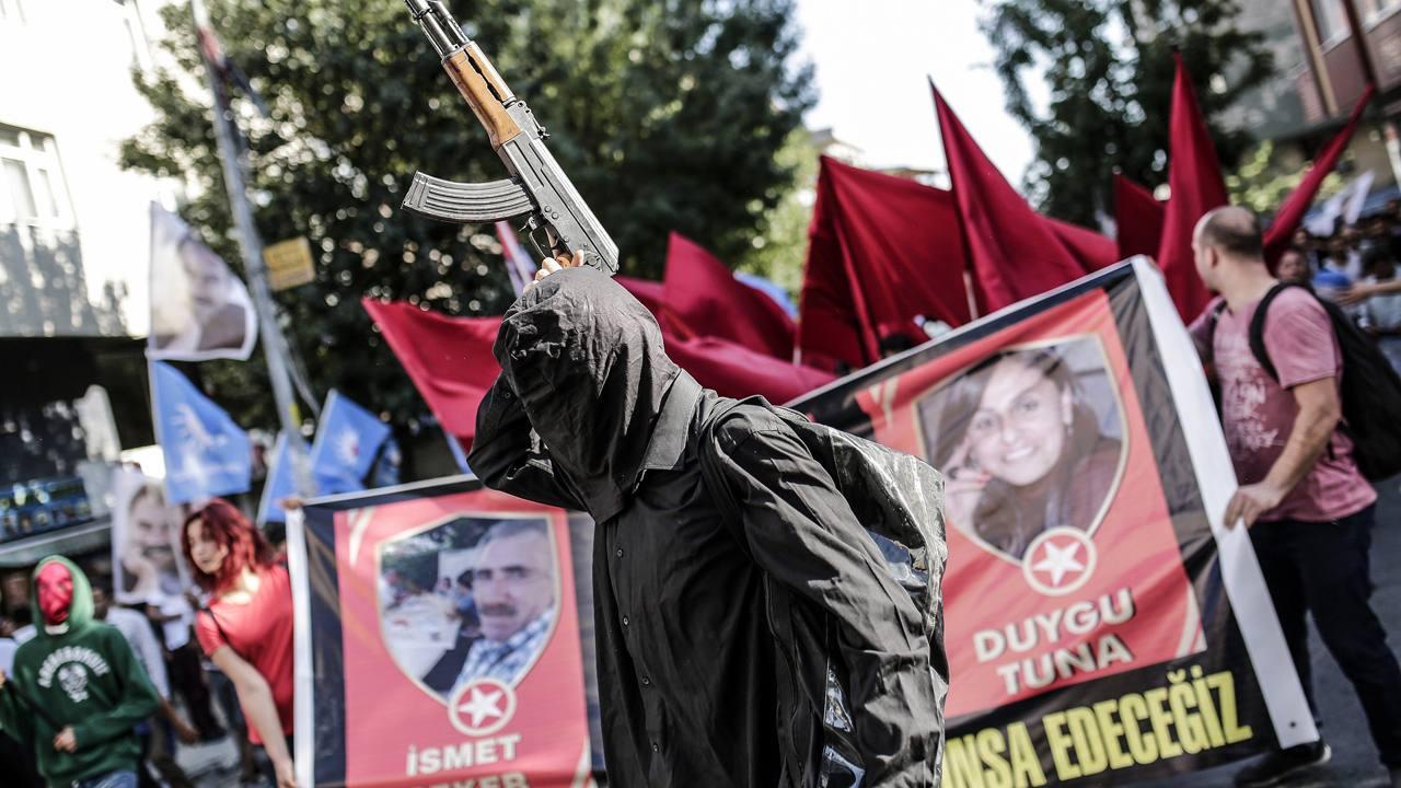 Cortejo fúnebre de víctimas del atentado de Suruç, Turquía