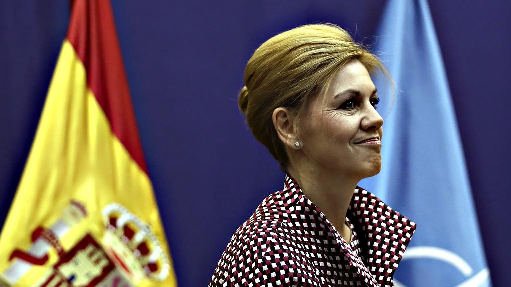 Cospedal estima que las Fuerzas Armadas no tendrán que actuar en Cataluña