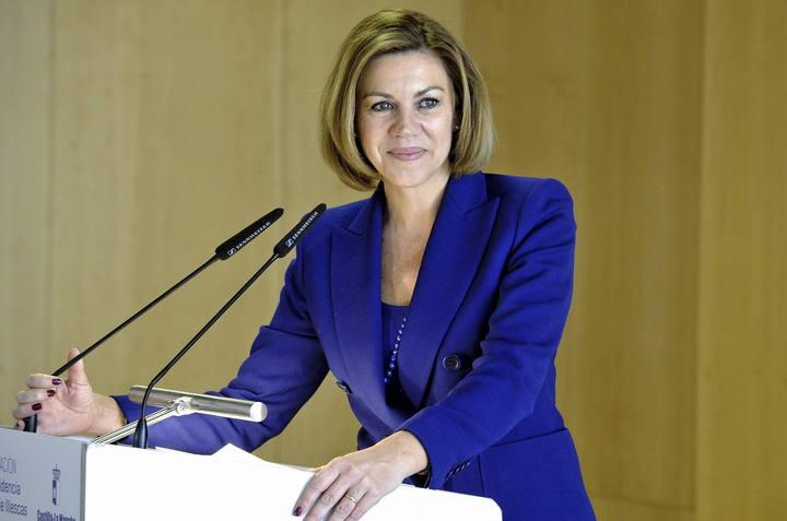 Cospedal precisa que no se plantea dejar de ser secretaria general del PP si gana en Castilla-La Mancha
