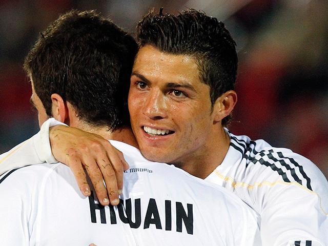Ronaldo e Higuaín logran la remontada ante el Mallorca (1-4)