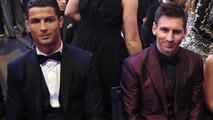 Ir al VideoCristiano-Messi, duelo recurrente por el Balón de Oro
