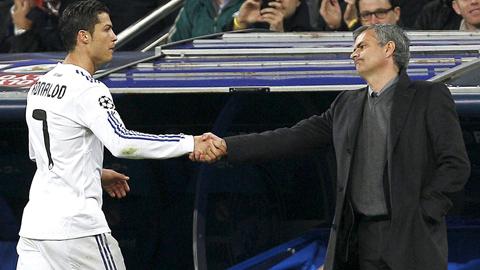 Ir al VideoCristiano viaja con el Real Madrid para enfrentarse al Manchester de Mourinho