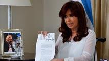 Ir al VideoCristina Fernández disuelve los servicios de inteligencia argentinos y crea una nueva Agencia