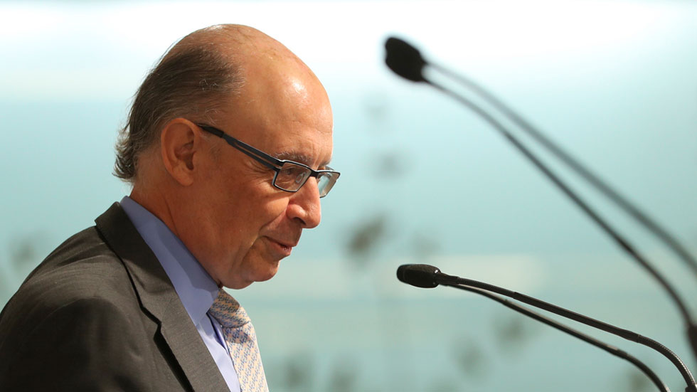Cristobal Montoro dice que no bajará el IRPF en 2018