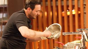 MasterChef - Cristóbal vuelve con fuerza a las cocinas