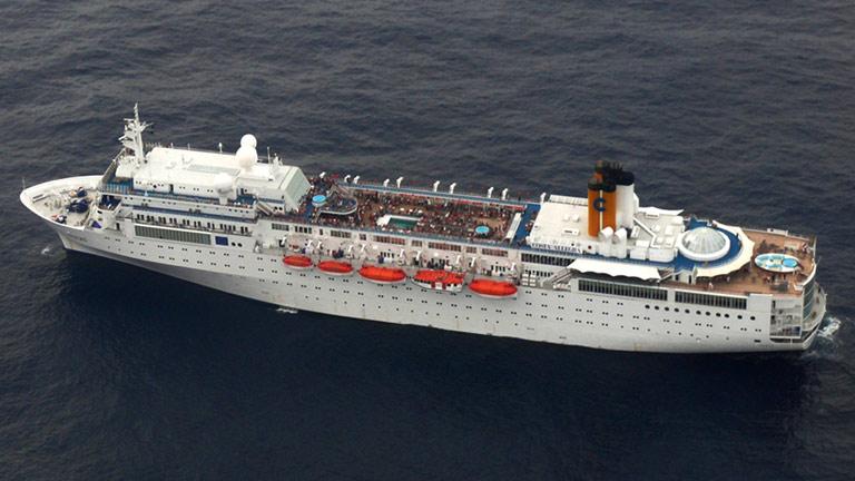Un crucero de la compañía Costa, a la deriva en Seychelles