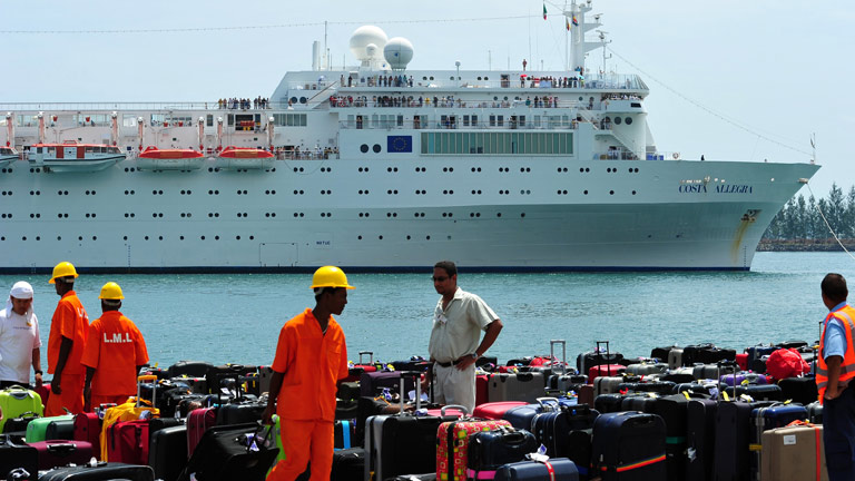 El crucero Costa Allegra llega al puerto de la capital de Seychelles