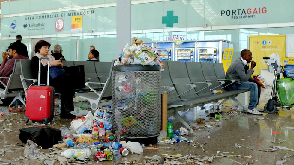 Cuarto d a de huelga de limpieza en el aeropuerto de - Agencias de limpieza barcelona ...