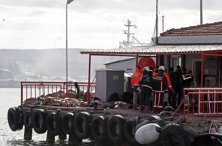 Cuerpos recuperados del mar en el Bósforo, cerca de Estambul