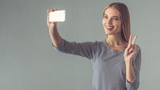Cuidado con enseñar las yemas de los dedos en los selfies