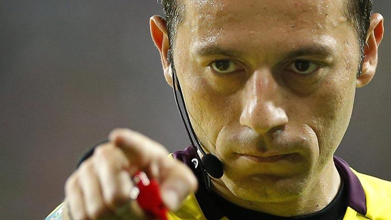 Cuneyt Cakir, árbitro turco para el España - Portugal de la Eurocopa 2012