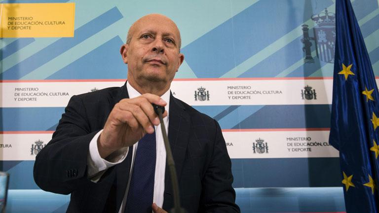 El curso pasado se repartieron 75 millones de euros menos en becas
