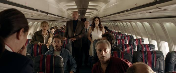 Darío Grandinetti y Nancy Dupláa, a bordo de un avión en una de las historias de 'Relatos salvajes'.