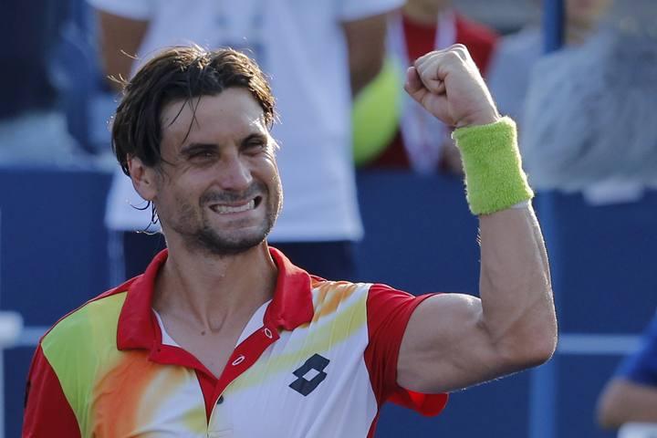 David Ferrer celebra su victoria ante Damir DZumhur.