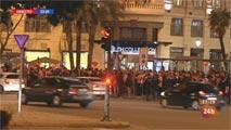 Decenas de 'colchoneros' celebran en Neptuno que el Atlético está en la final de la Champions