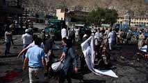 Ir al VideoDecenas de muertos en un atentado al paso de una manifestación en Kabul