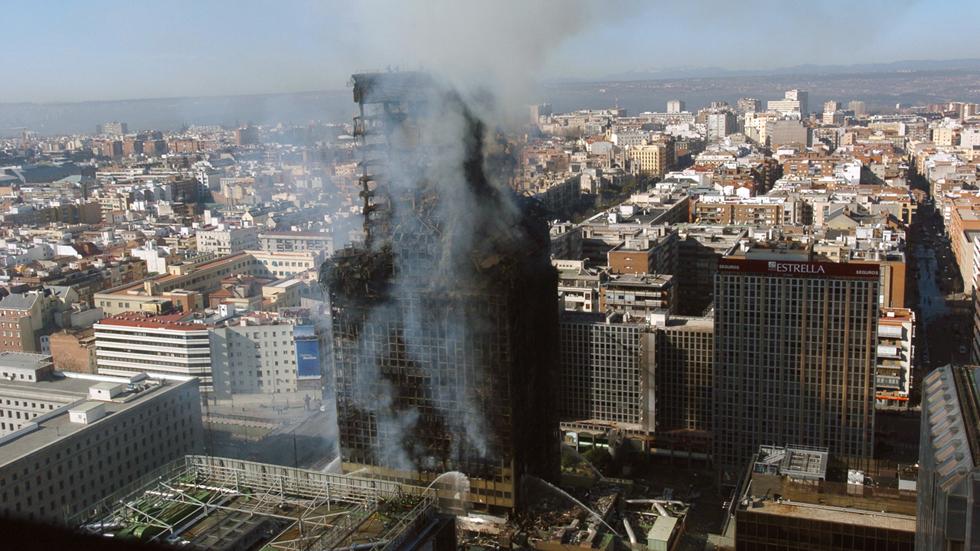 Del Windsor en Madrid al Plasco en Teherán: Incendios en rascacielos, imágenes que marcaron las portadas y la memoria