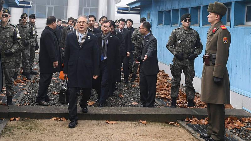 La delegación surcoreana cruza este lunes la frontera para reunirse con sus homólogos norcoreanos