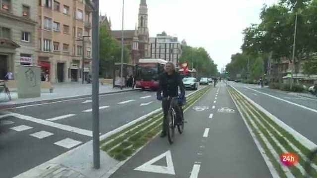 Desde la 'Asociación Amics de la bici' piden una mejora en los carriles destinados a la bicicleta