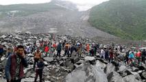 Mas de 140 desaparecidos en deslizamiento de tierra en China