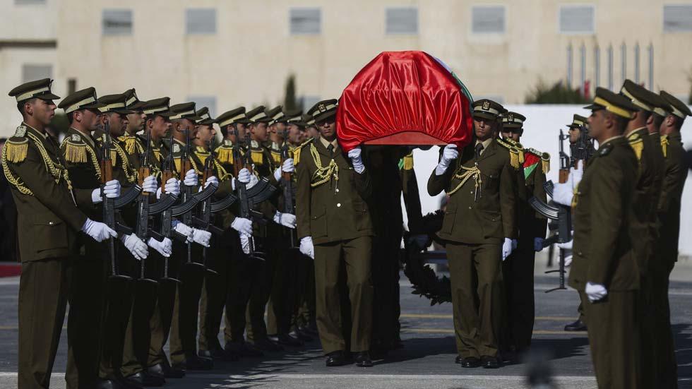 Los palestinos despiden con honores al ministro muerto en una carga israelí