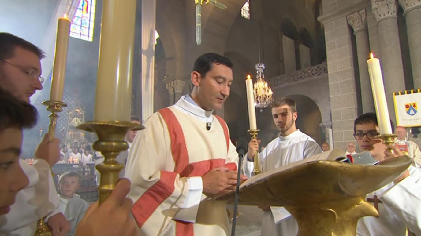 Ir al VideoEl día del Señor - Desde la Cathédrale Notre Dame-de-l'Annonciation, en Puy-en-Velay (Francia)