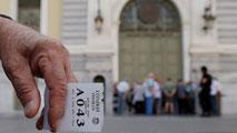 Ir al VideoEl día después del referéndum griego: opiniones divididas y los bancos cerrados
