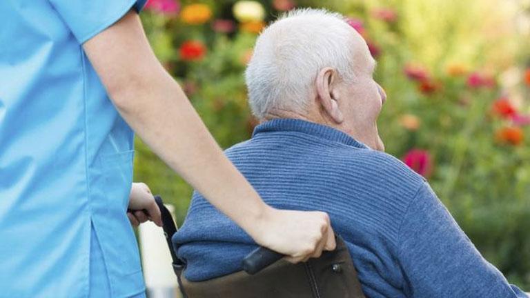 Unas 800.000 personas sufren alzhéimer en España