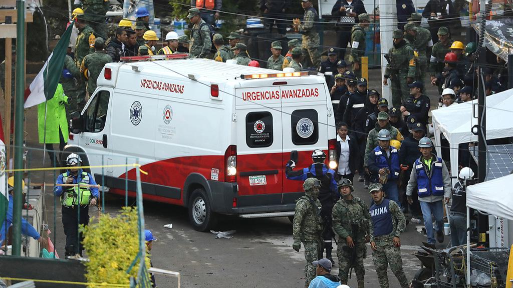 Diez españoles siguen desaparecidos tras el terremoto en México